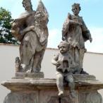 Sousoší Sv. Floriána na Zámeckém náměstí