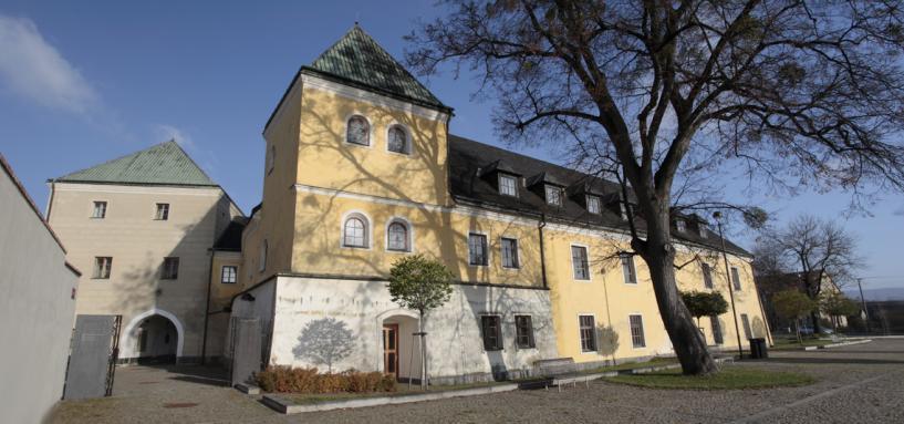 Zámek, vstup do Kulturního a informačního centra Velká Bystřice a galeriezet, autor: Zdeněk Polách